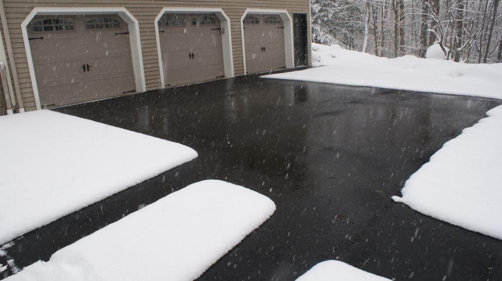 zastita od sneg i mraz greaci vo oluci, greaci na krovovi, топење на снег и мраз, одмрзнување на паркинзи скали дворови
